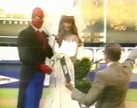 spidey-wedding-shea-stadium مراسم نمادين عروسي يتر و مري جين